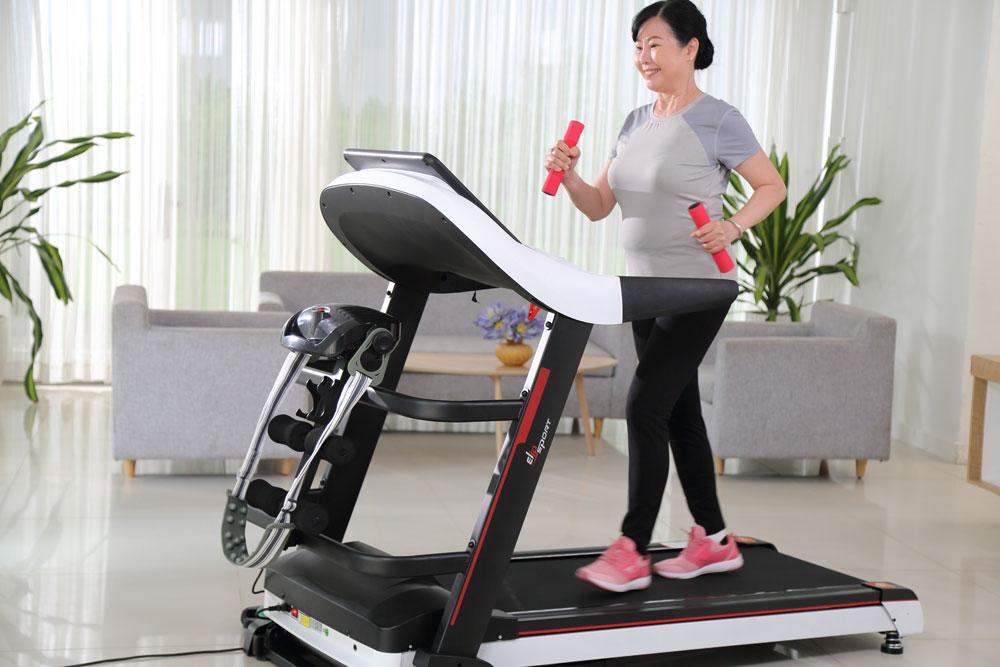 Tập thể dục tại nhà duy trì vóc dáng đẹp và cân đối
