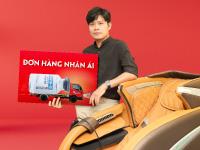 Ảnh nhỏ cho slide Nhạc sĩ Nguyễn Văn Chung mua ghế massage ELIP ủng hộ quỹ Covid-19