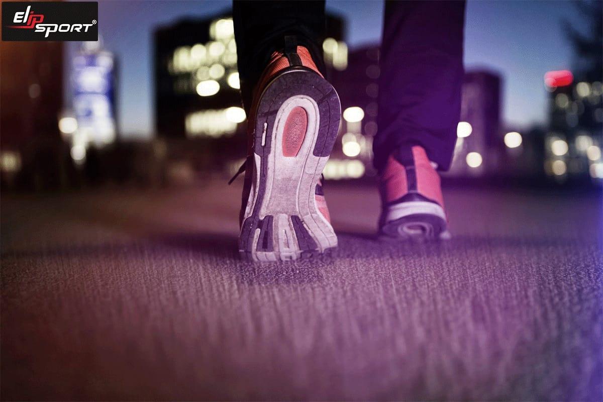 đi bộ buổi tối