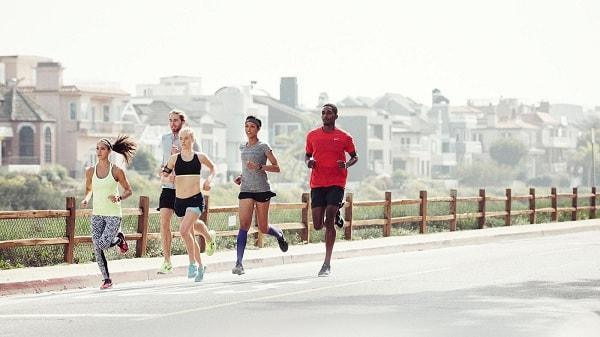 luật điền kinh chạy 100m