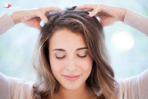 cách massage đầu hiệu quả kết hợp bấm huyệt