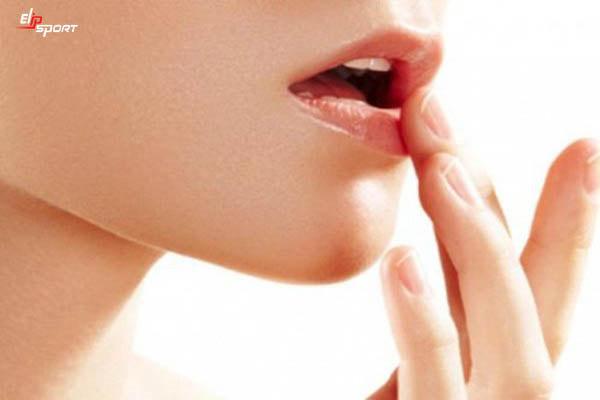 cách massage để có đôi môi đẹp