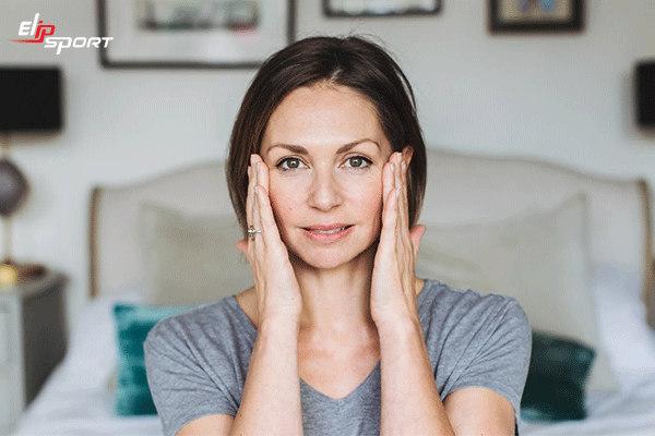 cách massage mặt trị mụn đúng cách