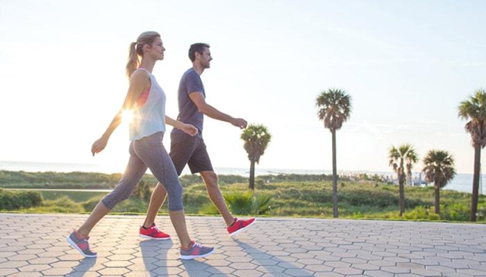 đi bộ vào buổi sáng có tác dụng gì