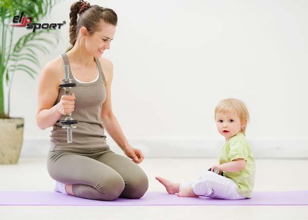 Đi bộ là một gợi ý tuyệt vời để tập luyện sau sinh