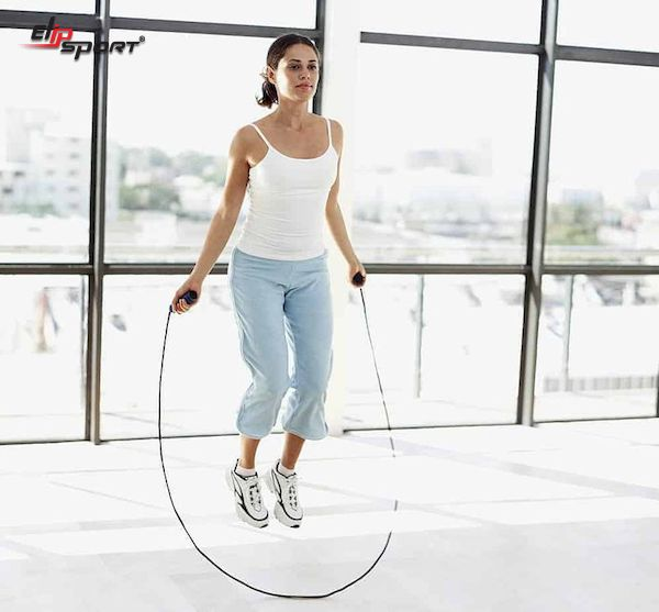 cách nhảy dây giảm mỡ bụng dưới
