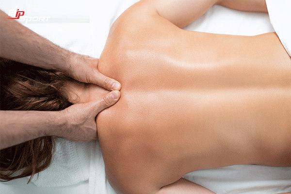 phương pháp massage lưng