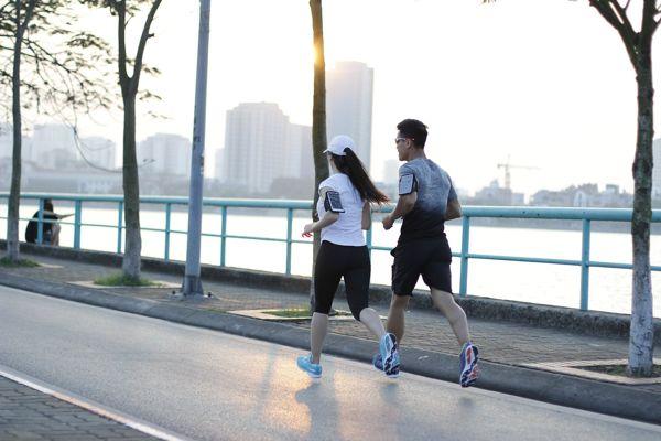 Tác dụng của chạy bộ buổi chiều