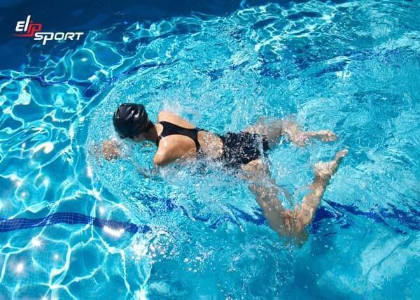 tại sao bơi ếch bị đau lưng