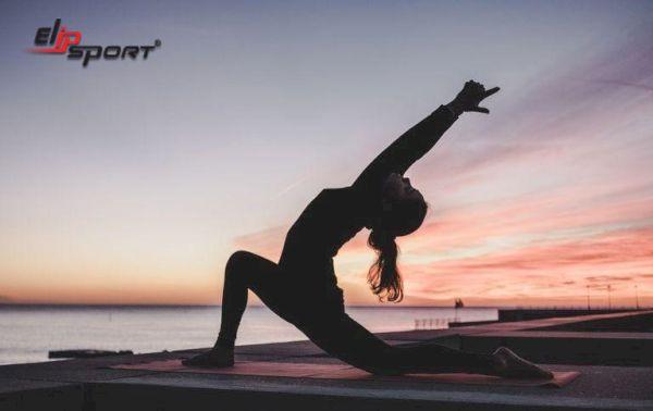 yoga eo thon bụng nhỏ