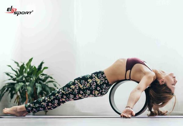 cách tập yoga với vòng