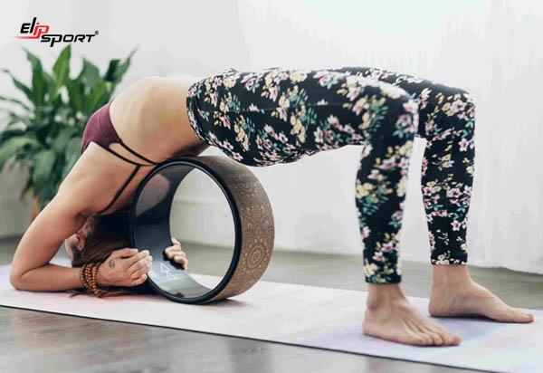 bài tập yoga với vòng