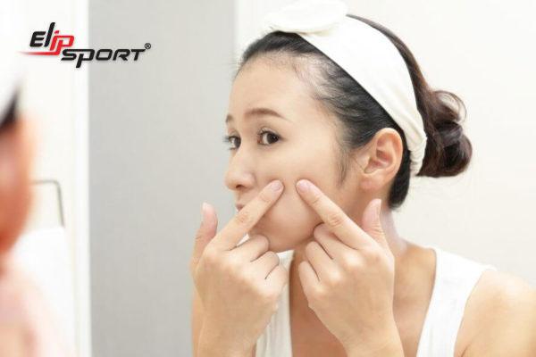 các bước skincare cho da dầu mụn ẩn