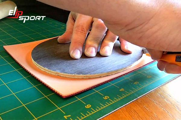 cách dán mặt vợt bóng bàn