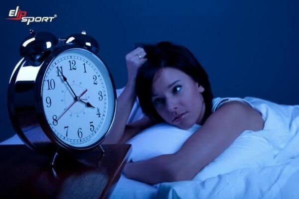 cách trị mất ngủ cho người trẻ