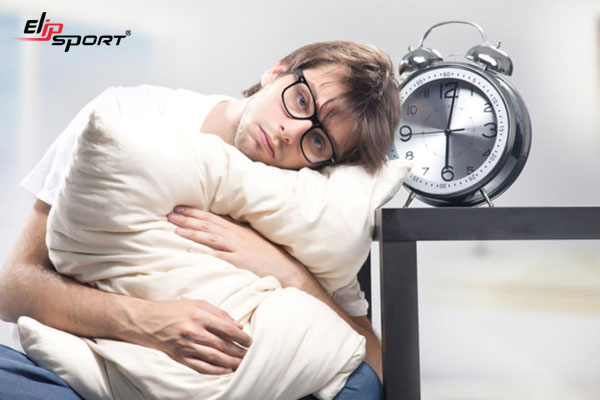 Nguyên nhân mất ngủ ở người trẻ tuổi