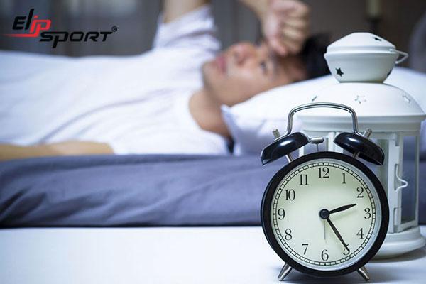 Mất ngủ thường xuyên phải làm sao