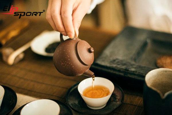 Uống trà mất ngủ phải làm sao?