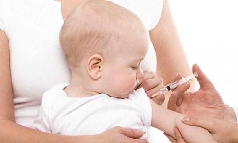Tiêm vacxin phòng ngừa bệnh sởi