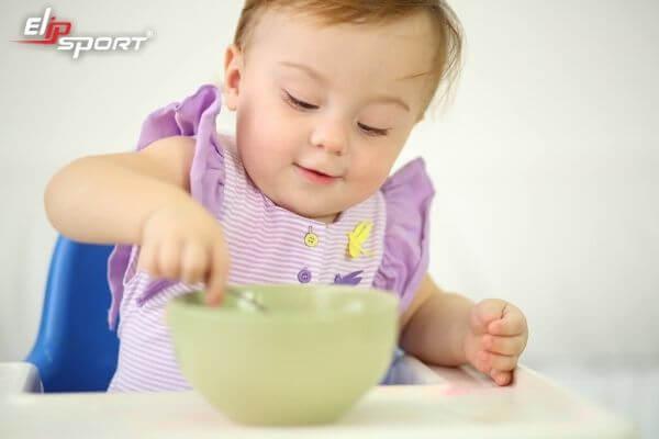 cân nặng của trẻ sơ sinh