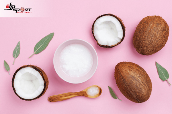 Massage Mặt với dầu dừa