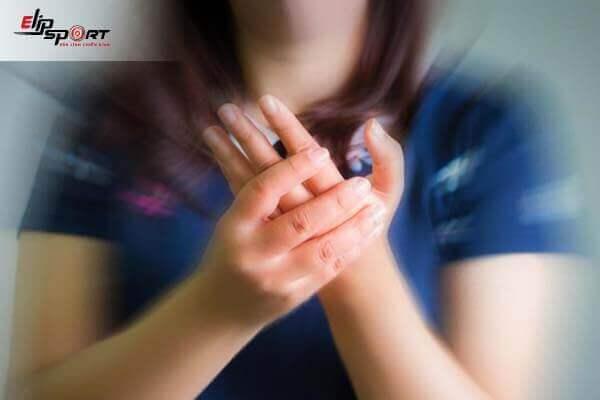 chữa tê tay bằng đông y