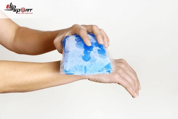 cách chữa đau cổ tay