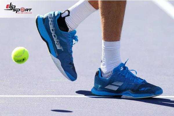 giày đánh tennis
