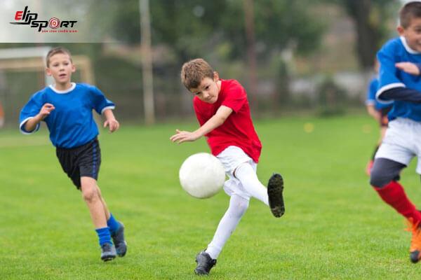 giày bóng đá trẻ em