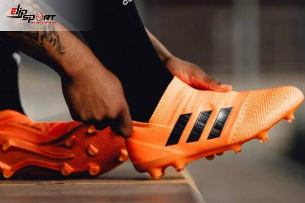 kích thước chân đi giày đá bóng