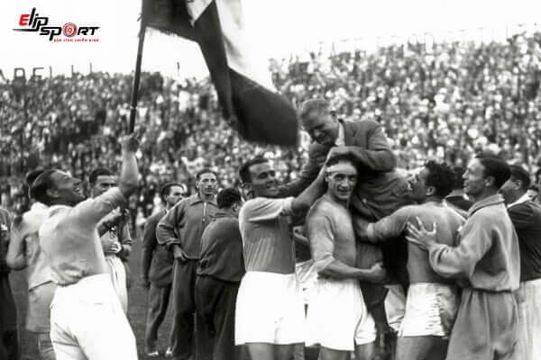 đội tuyển bóng đá ý vô địch lần đầu tiên
