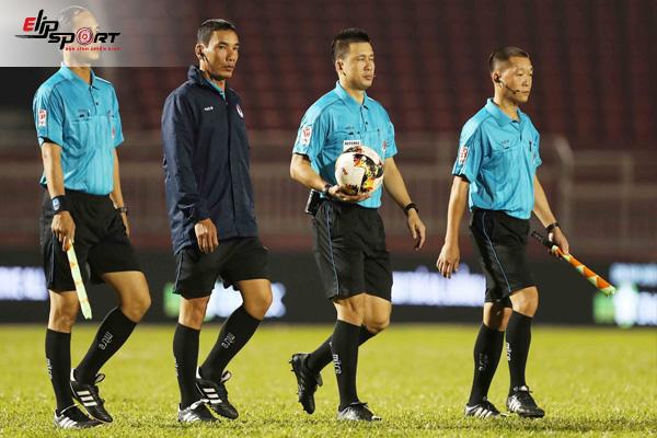 Luật Bóng Đá Quốc Tế Trên Sân 11 Người Mới Nhất Theo FIFA