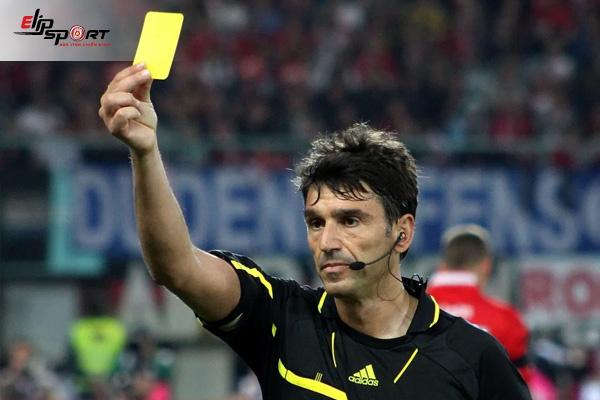 thẻ vàng bóng đá phạt bao nhiêu tiền
