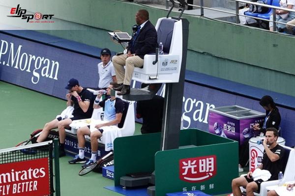 trọng tài quần vợt
