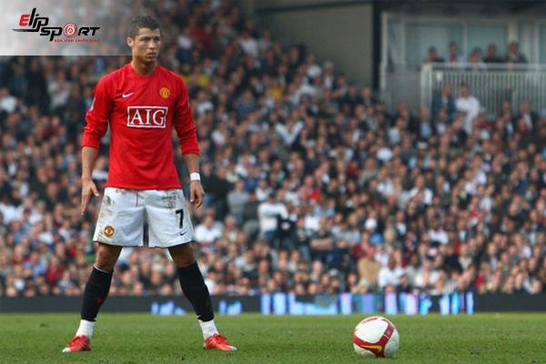 Tóm Tắt Lịch Sử Bóng Đá Của Ronaldo - Siêu Sao Bóng Đá