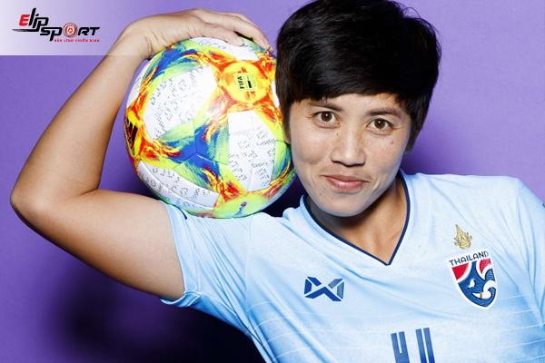 đội trưởng đội tuyển bóng đá nữ Thái Lan