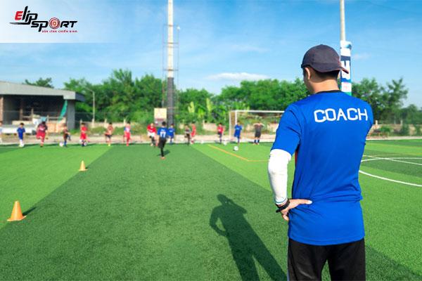 trường dạy huấn luyện viên bóng đá
