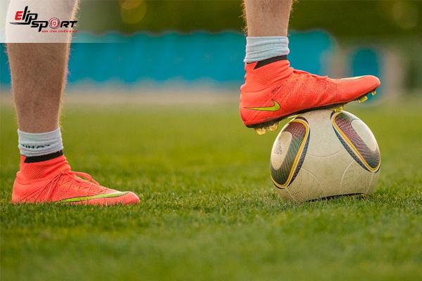 giày bóng đá sân cỏ nhân tạo