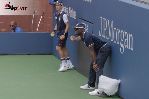 số lượng trọng tài tennis