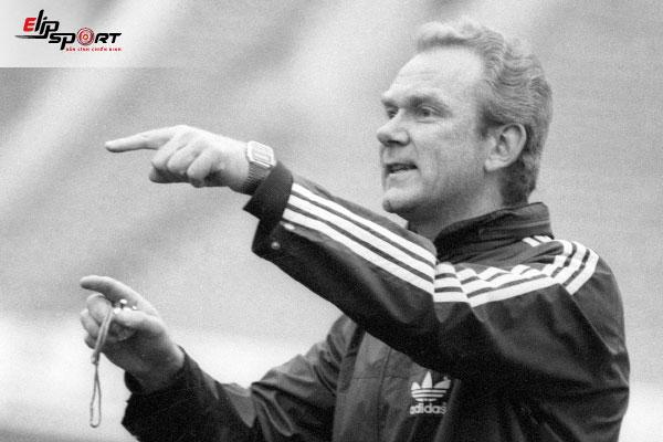 huấn luyện viên bóng đá huyền thoại