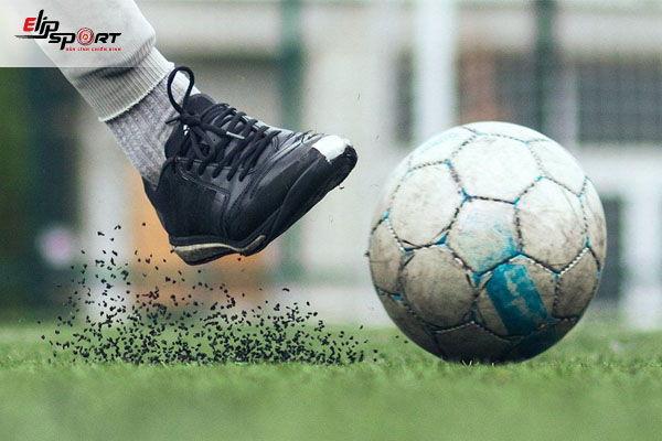 đá bóng sân cỏ nhân tạo gây ung thư