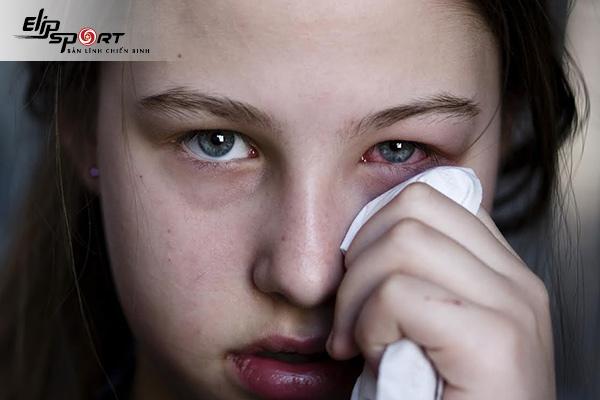 đau mắt đỏ là gì