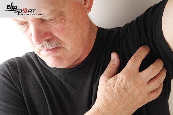 vùng nách bị sưng đau
