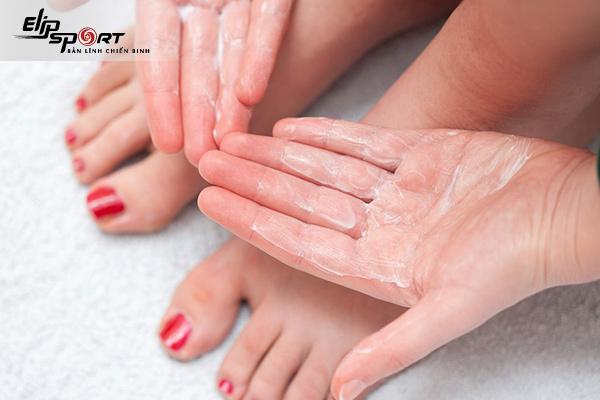 chăm sóc da bàn chân