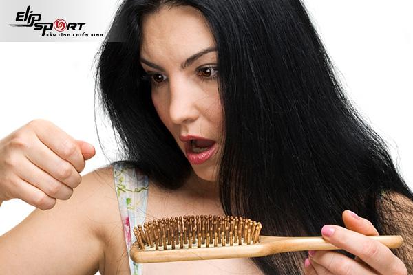 rụng tóc sau sinh phải làm sao