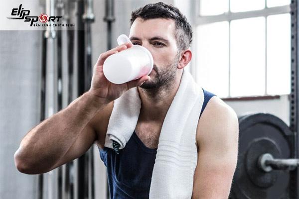 Tập gym uống nước gì để giảm cân