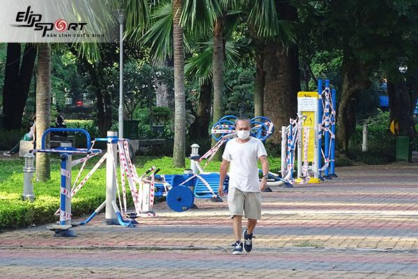 chạy bộ ở công viên Hoàng Văn Thụ, Tân Bình