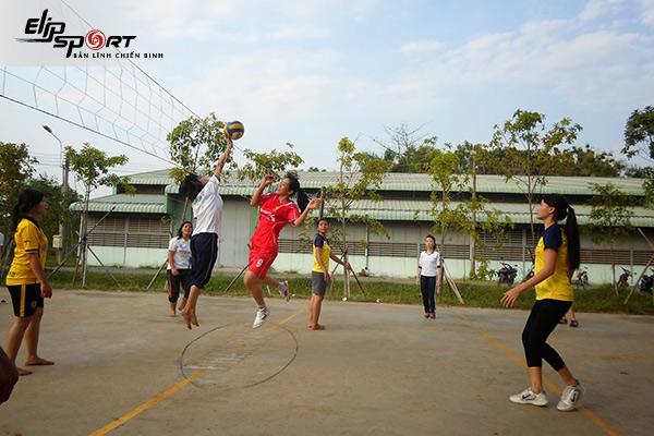 sân bóng chuyền ở Tân Phú, Hồ Chí Minh