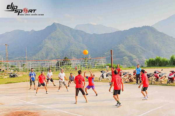 sân bóng chuyền ở Long Biên, Hà Nội