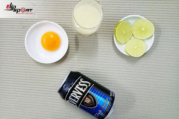 uống sữa đặc với trứng gà